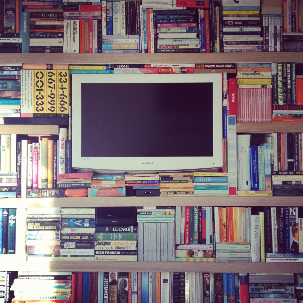 Matt's new bookshelf. One day when I'm big I want it.